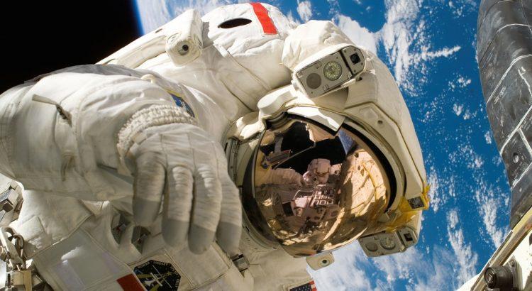 Trading like an astronaut